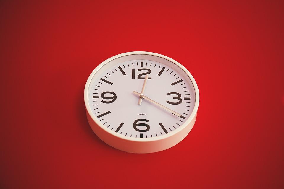 clock-red